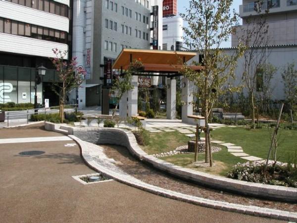 守山駅前1
